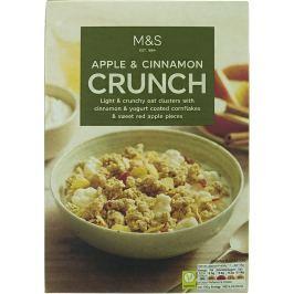 Marks & Spencer Ovesné hrudky se skořicí a kukuřičné lupínky v jogurtu s kousky sušených jablek