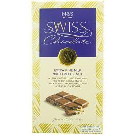 Marks & Spencer Švýcarská mléčná čokoláda s rozinkami, sekanými lískovými ořechy a celými mandlemi