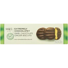 Marks & Spencer Sušenky se zázvorovou příchutí máčené v hořké čokoládě