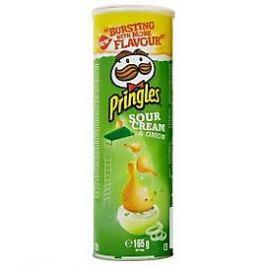 Pringles bramborové lupínky cibule a smetana