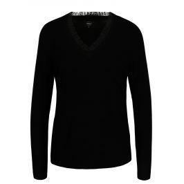Černý lehký svetr s véčkovým výstřihem ONLY Sysse