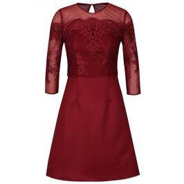 Vínové šaty s krajkovým topem Chi Chi London Libbie Dámské šaty